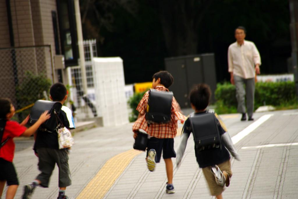 【動画】学校給食の無償化を ふるくぼ和子・一般質問6月19日から