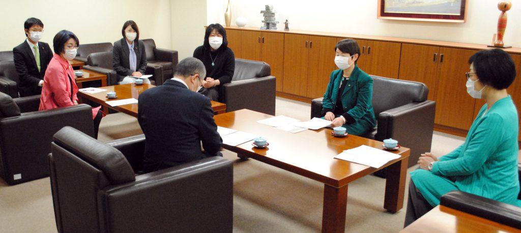 新型コロナで緊急要望 大型連休中の医療体制確立も 仙台市に市議団